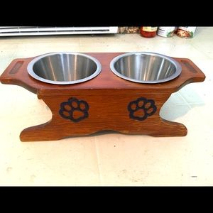 Dining corral for small pet